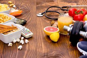 Привычка питаться в ресторанах вызывает гипертонию у мужчин – ученые