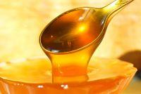 Как влияет мед на давление человека: повышает или понижает его?
